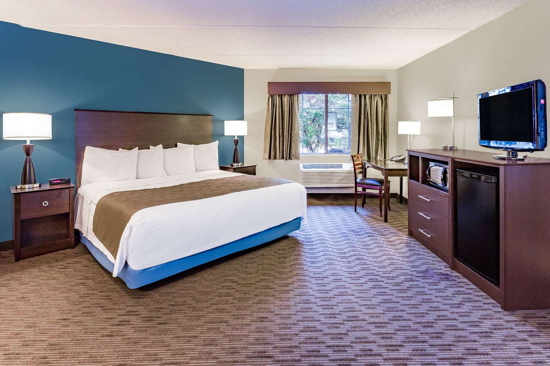 Room - AmericInn Hotel & Suites Long Lake