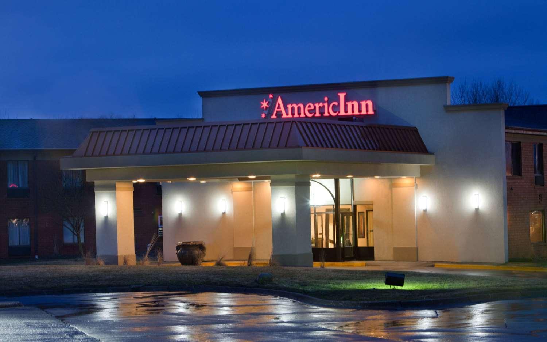 Exterior view - AmericInn Hotel & Suites Johnston
