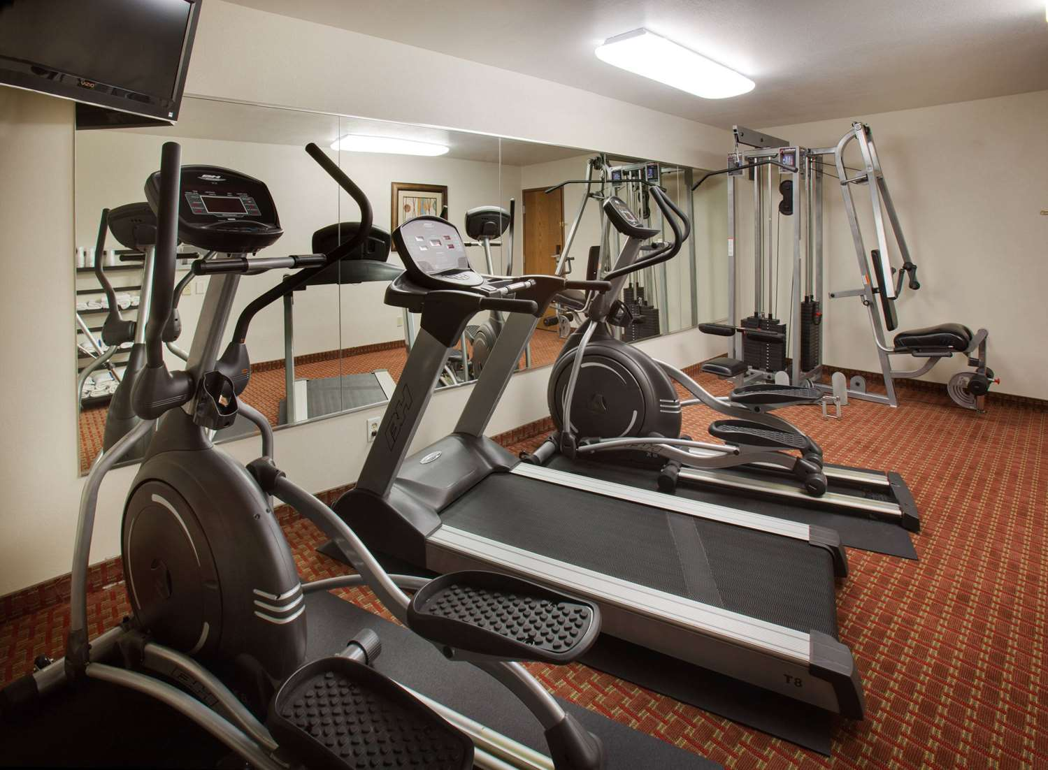 Fitness/ Exercise Room - AmericInn Hotel & Suites Johnston