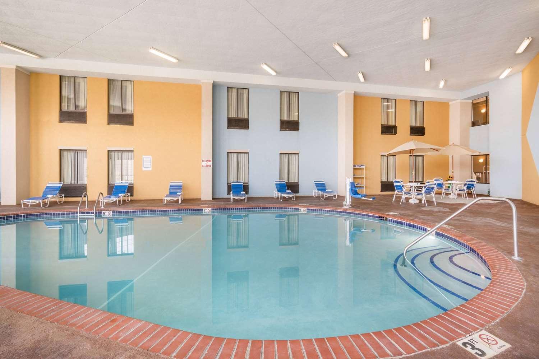 Pool - AmericInn Hotel & Suites Johnston