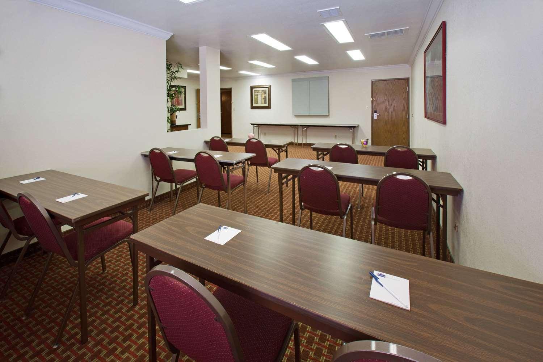 Meeting Facilities - AmericInn Hotel & Suites Johnston