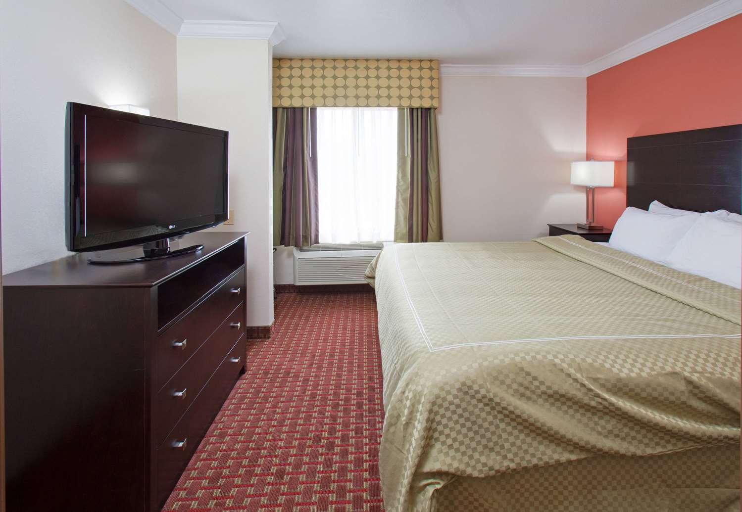 Suite - AmericInn Hotel & Suites Johnston