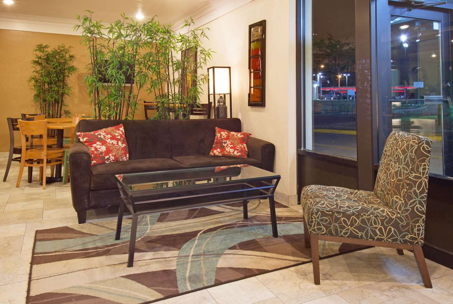 Lobby - AmericInn Hotel & Suites Johnston