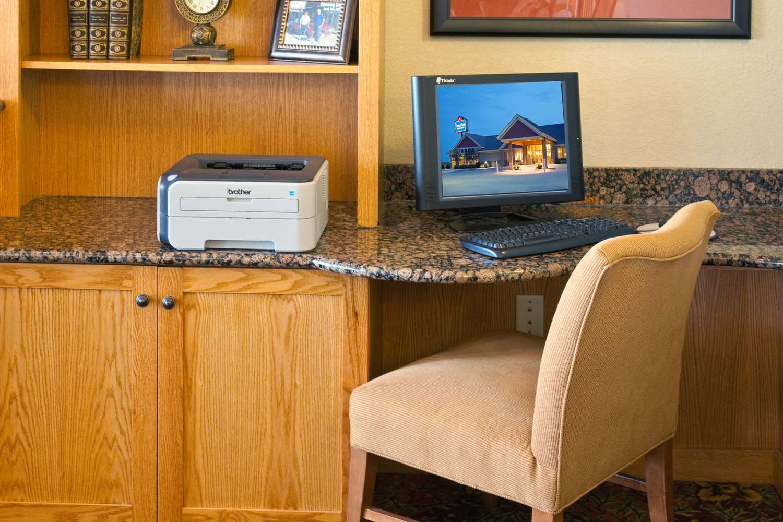 Conference Area - AmericInn Lodge & Suites Anamosa