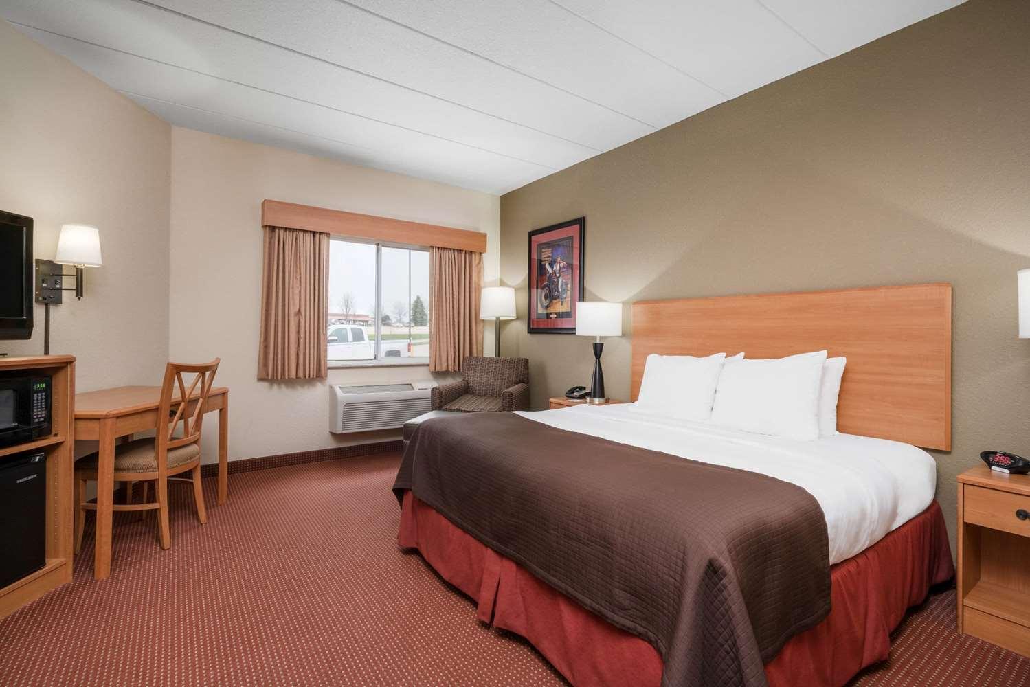 Room - AmericInn Lodge & Suites Anamosa