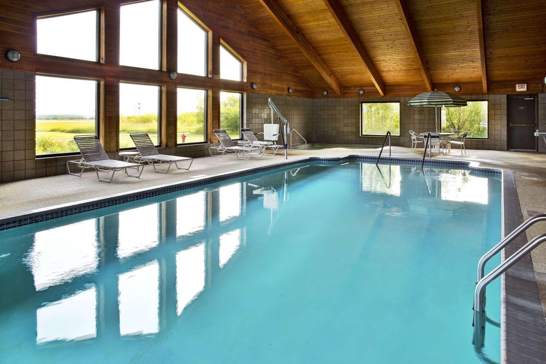 Pool - AmericInn Lodge & Suites Baudette