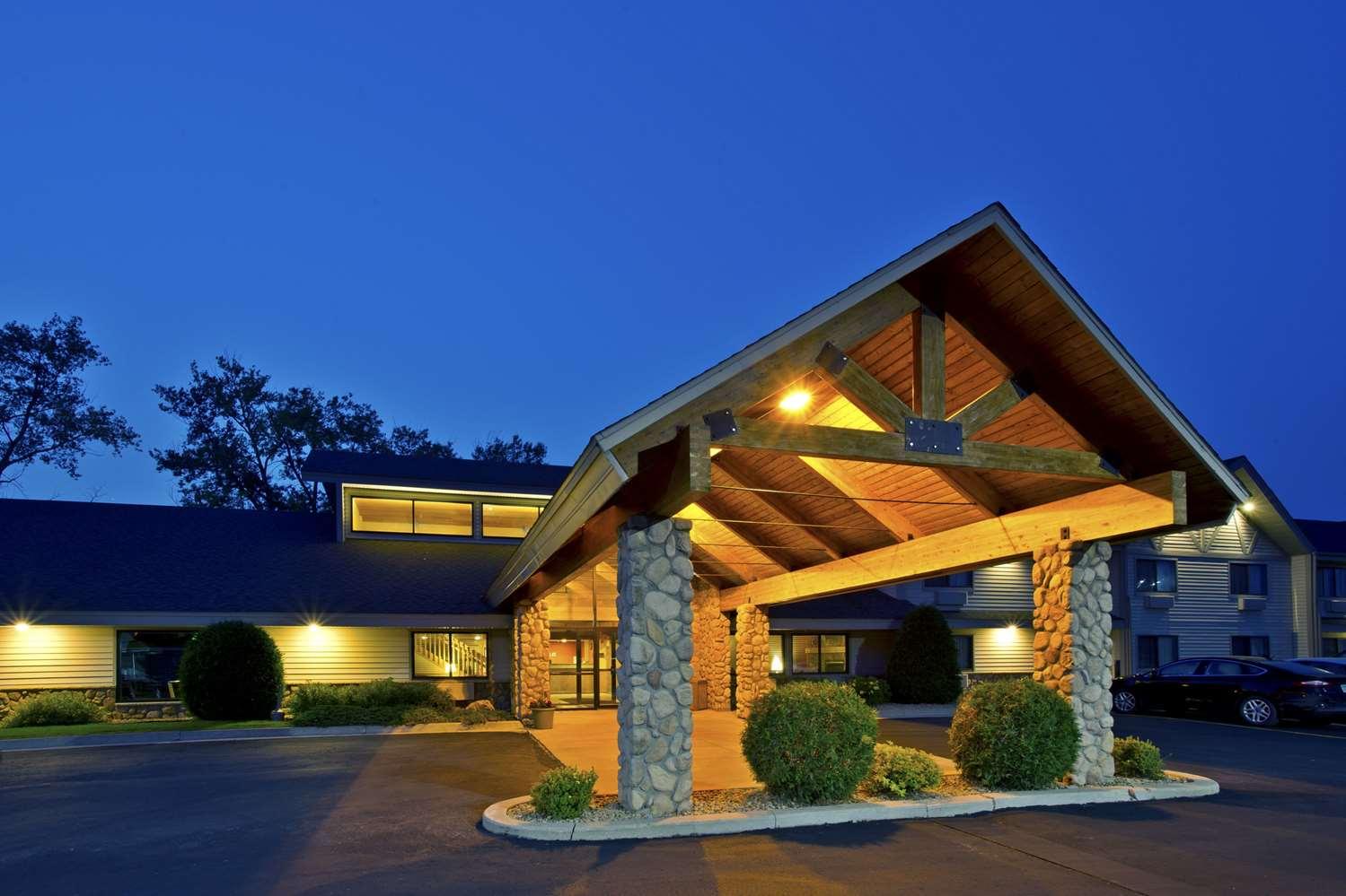 Exterior view - AmericInn Lodge & Suites Baudette