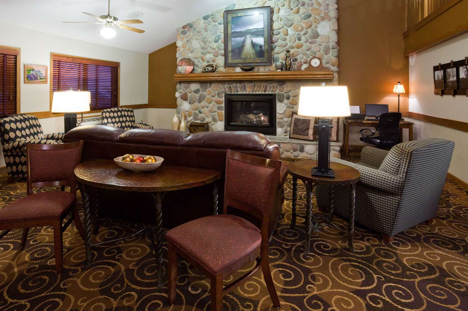 Lobby - AmericInn Lodge & Suites Austin