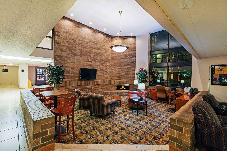 Lobby - AmericInn Hotel & Suites Omaha