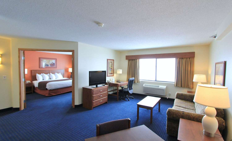 Room - AmericInn Lodge & Suites Cedar Rapids