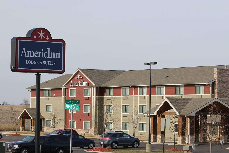 Exterior view - AmericInn Lodge & Suites Cedar Rapids