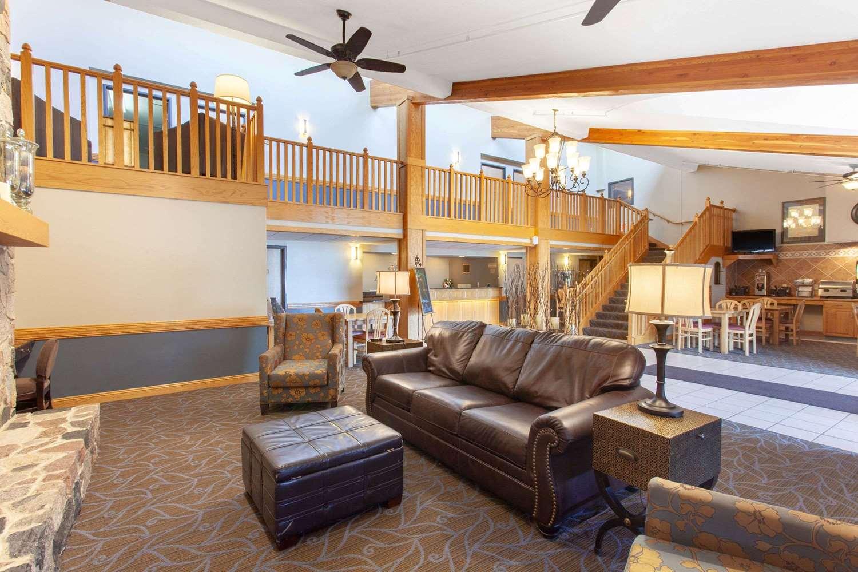 Lobby - AmericInn Lodge & Suites North Branch
