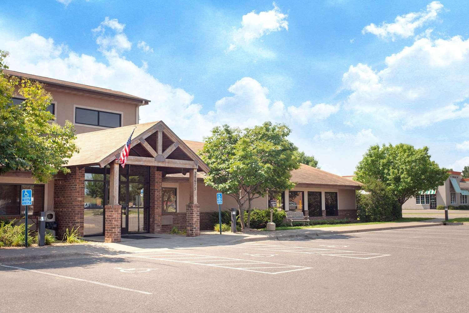 Exterior view - AmericInn Lodge & Suites North Branch