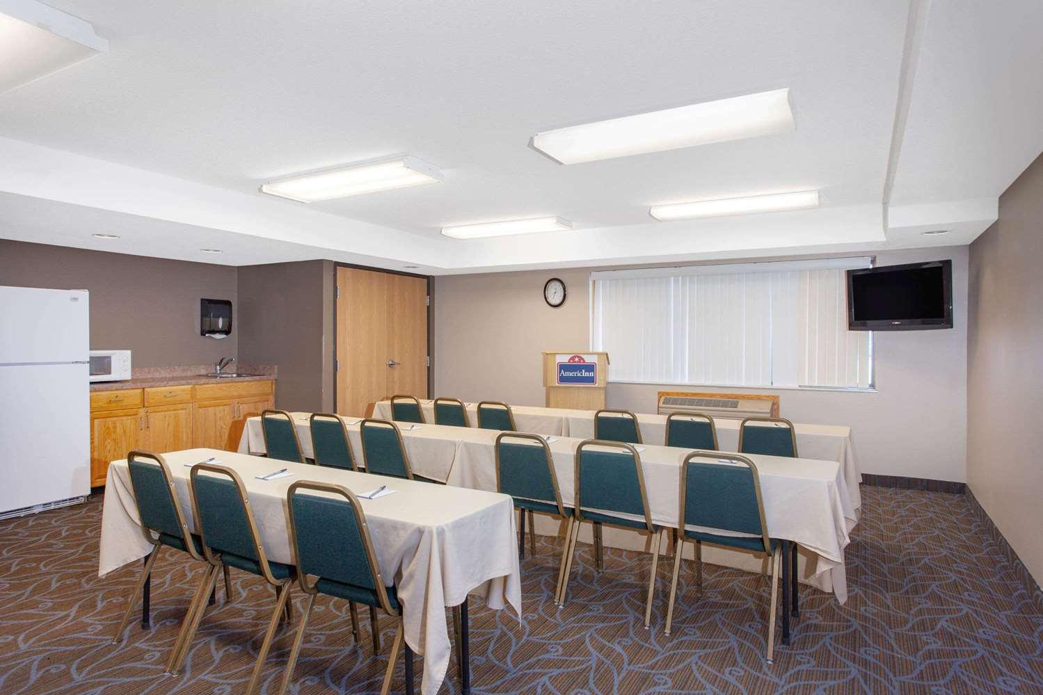 Meeting Facilities - AmericInn Lodge & Suites North Branch