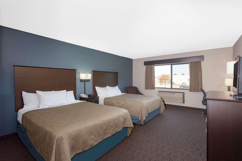 Room - AmericInn Lodge & Suites North Branch