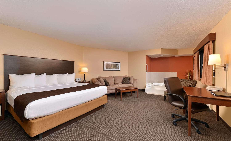 Room - AmericInn Fergus Falls Conference Center