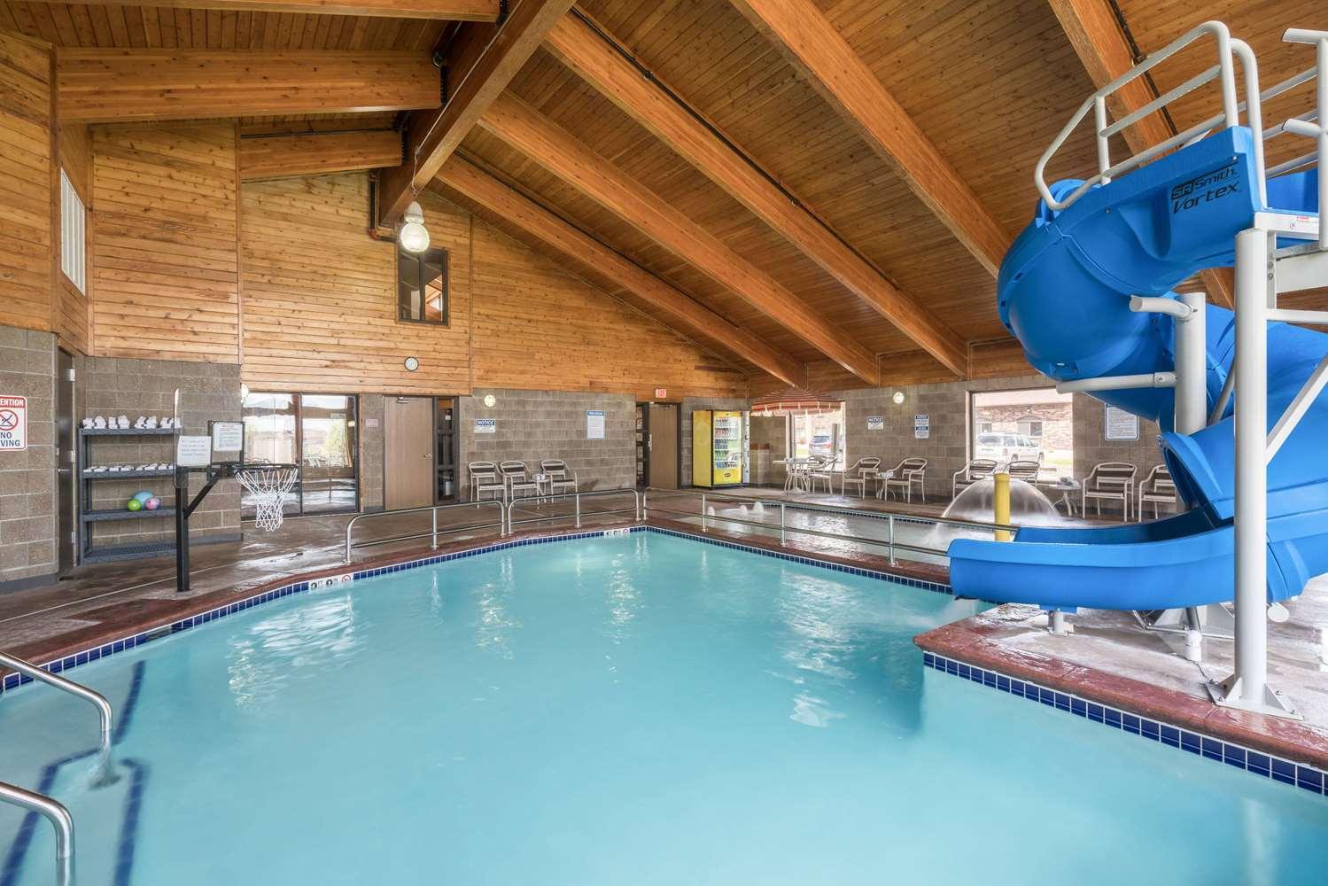 Pool - AmericInn Lodge & Suites West Acres Fargo
