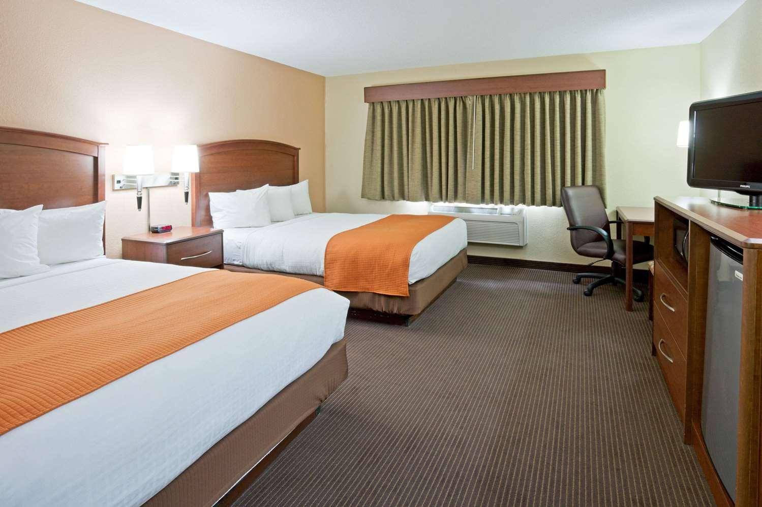 Room - AmericInn Lodge & Suites West Acres Fargo