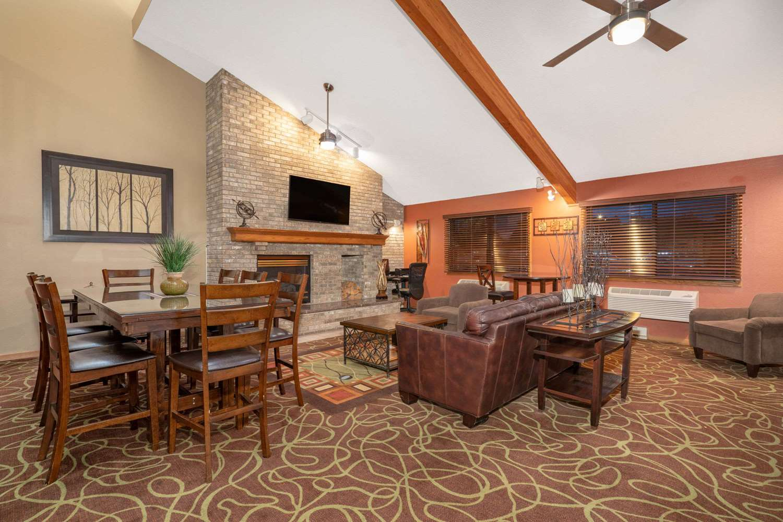 Lobby - AmericInn Lodge & Suites Sauk Centre