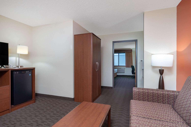 Suite - AmericInn Lodge & Suites Sauk Centre