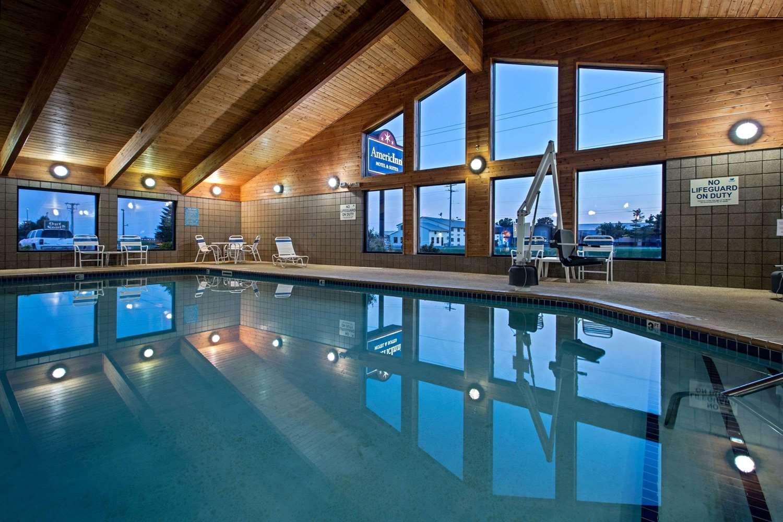 Pool - AmericInn Hotel & Suites Iowa Falls