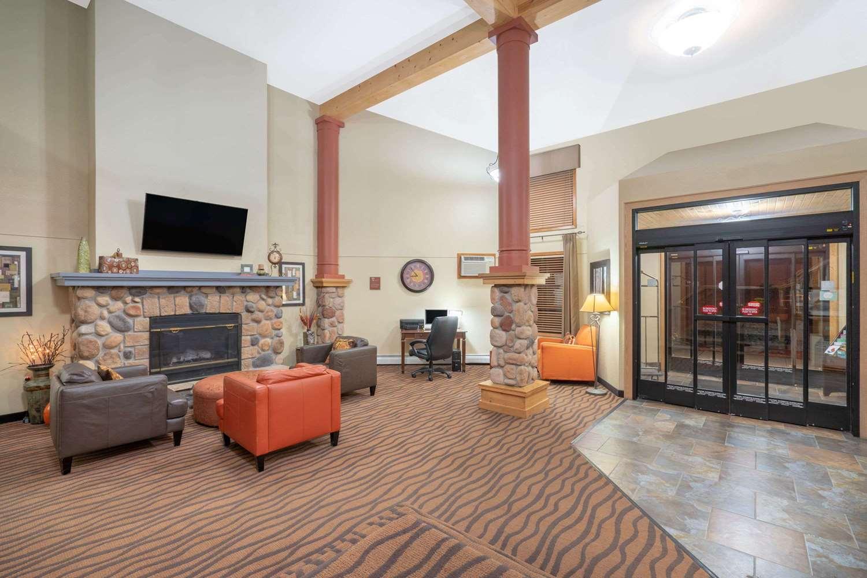 Lobby - AmericInn Lodge & Suites Rogers