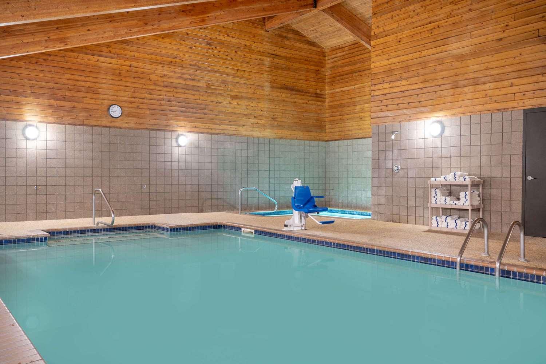 Pool - AmericInn Lodge & Suites Rogers