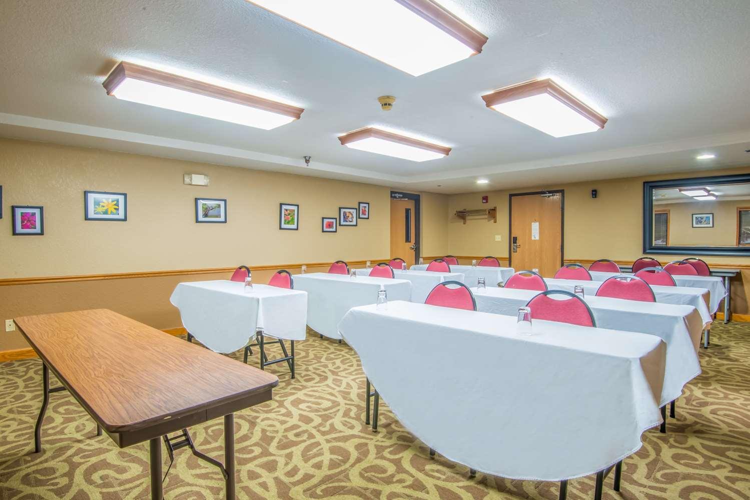 Meeting Facilities - AmericInn Ames