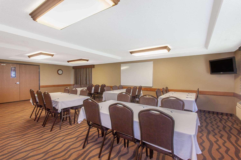 Meeting Facilities - AmericInn Lodge & Suites St Cloud