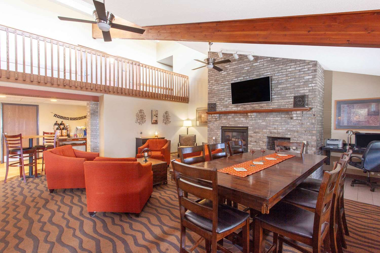 Lobby - AmericInn Lodge & Suites St Cloud