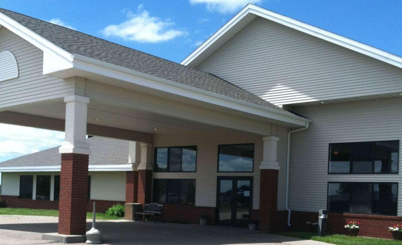 Exterior view - AmericInn Lodge & Suites Beulah