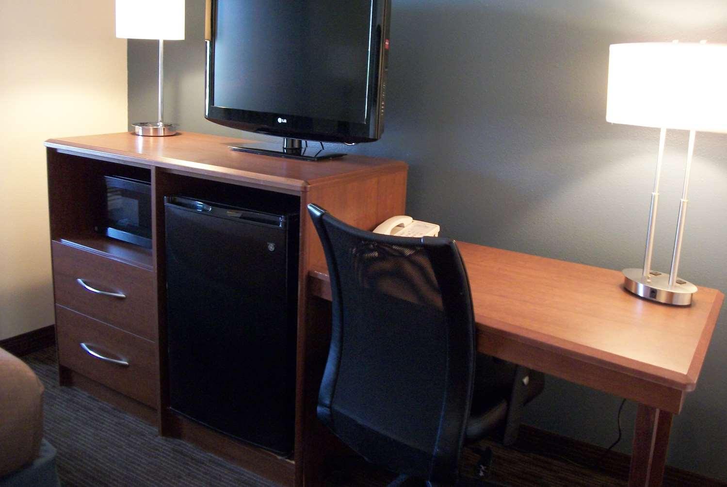 Room - AmericInn Lodge & Suites Beulah