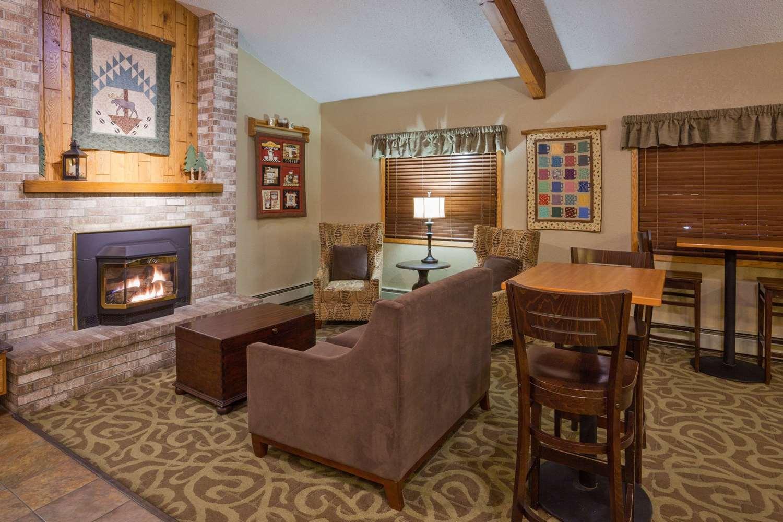 Lobby - AmericInn Lodge & Suites Roseau