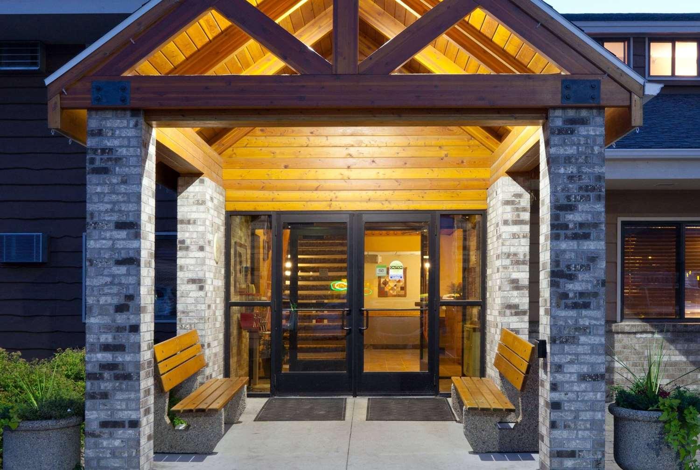 Exterior view - AmericInn Lodge & Suites Roseau