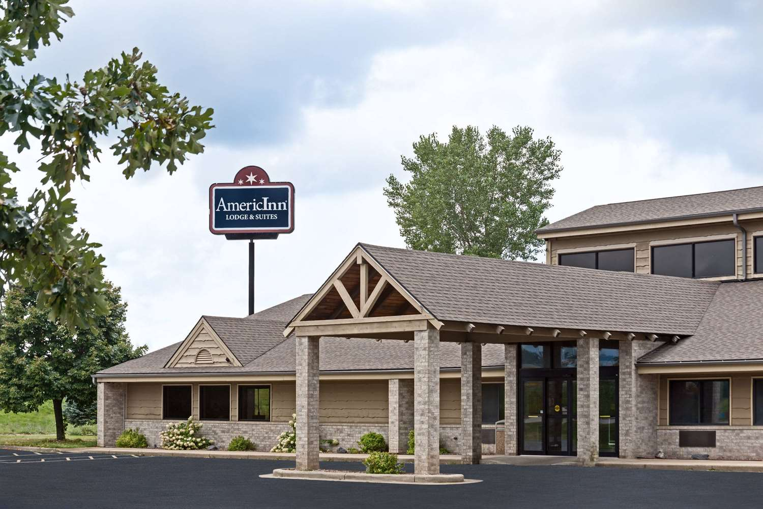 Americinn Lodge Suites Tomah Wi See Discounts