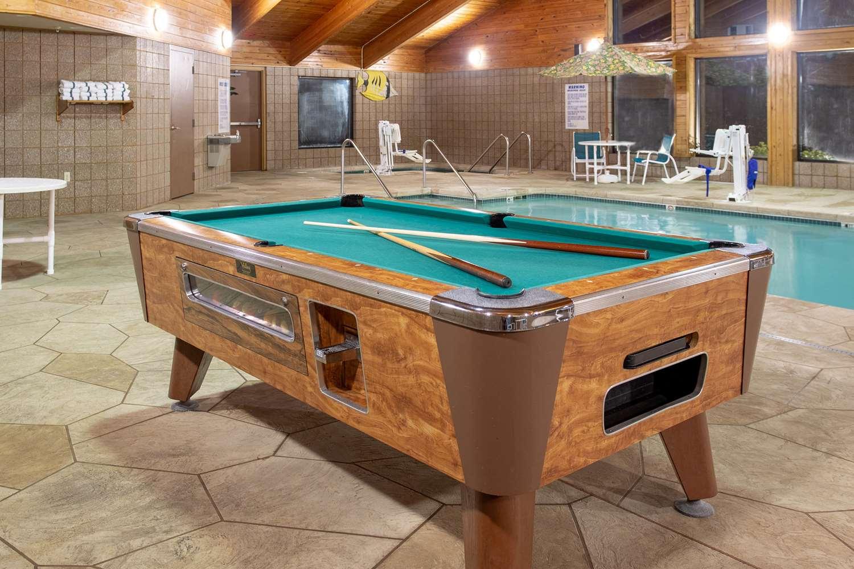 Recreation - AmericInn Hotel & Suites Sheboygan