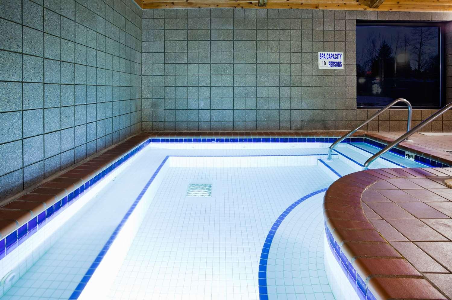 Pool - AmericInn Ironwood