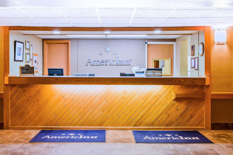 Lobby - AmericInn Algona