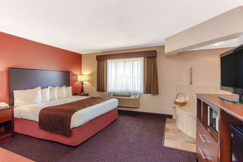 Suite - AmericInn Lodge & Suites White Bear Lake