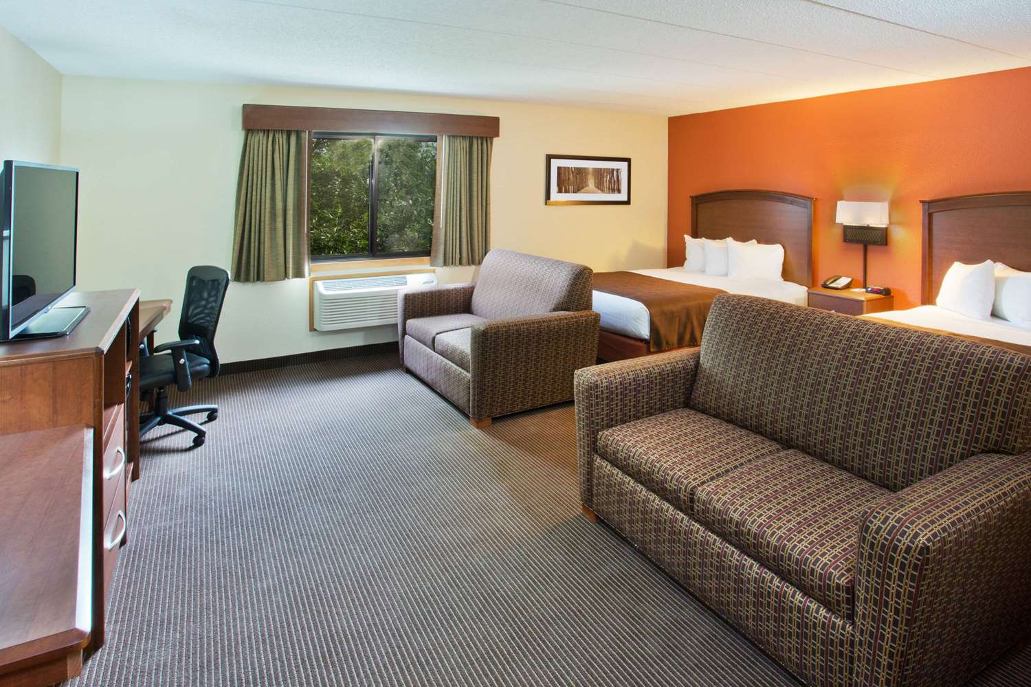 Suite - AmericInn Grand Forks