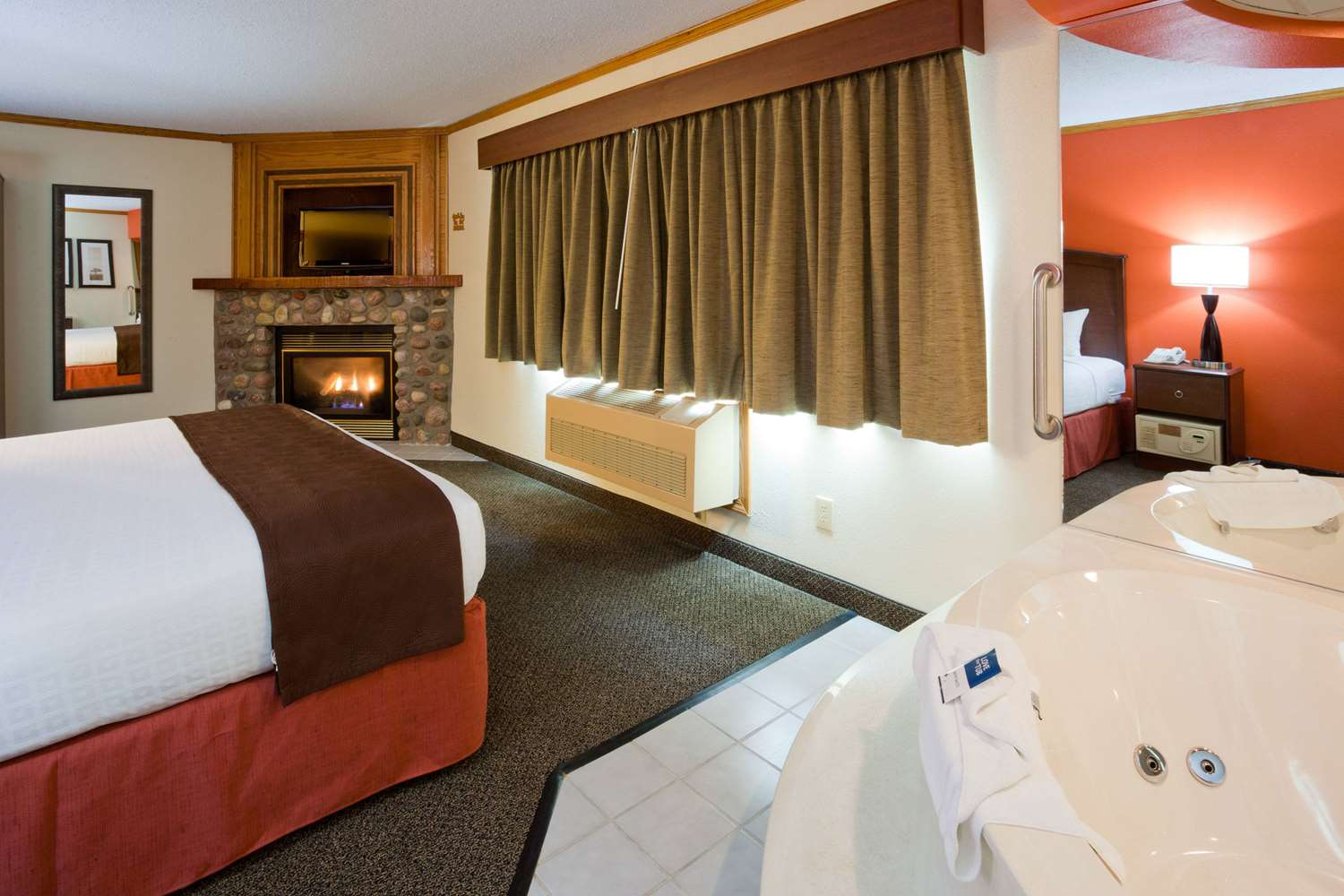 Suite - AmericInn Lodge & Suites Virginia
