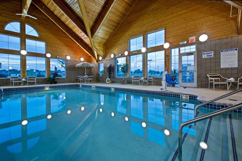Pool - AmericInn Lodge & Suites Waconia