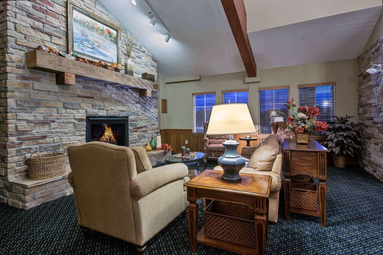 Lobby - AmericInn Lodge & Suites Waconia