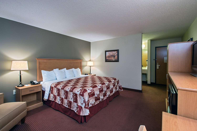 Room - AmericInn Lodge & Suites Waconia