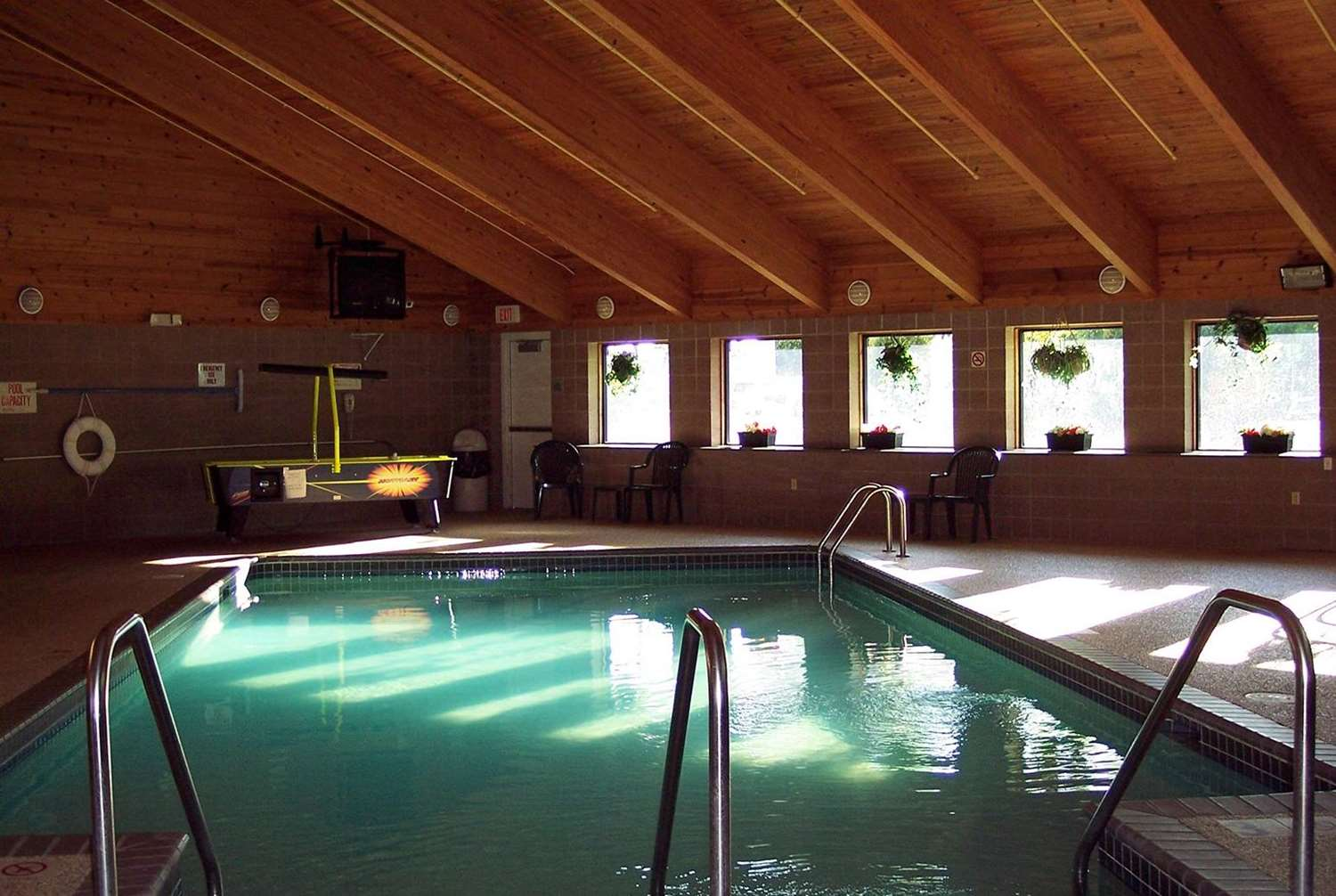 Pool - AmericInn Hotel & Suites Inver Grove Heights