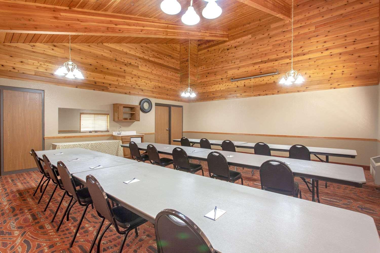 Meeting Facilities - AmericInn Lodge & Suites Cloquet
