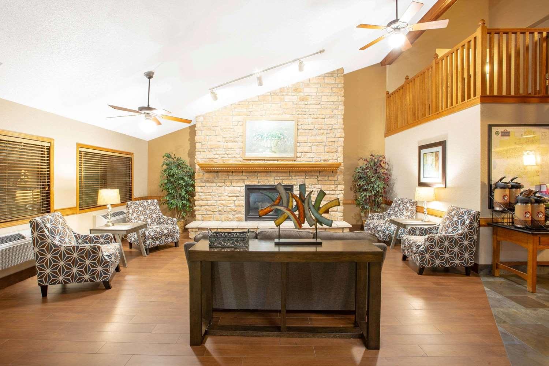 Lobby - AmericInn Lodge & Suites Ankeny