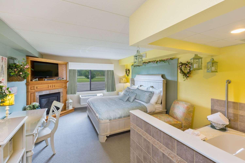 Suite - AmericInn Lodge & Suites Wabasha