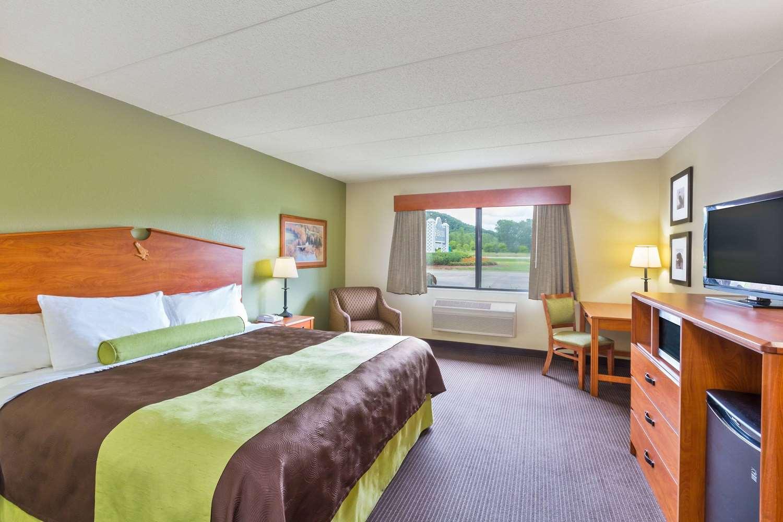 Room - AmericInn Lodge & Suites Wabasha