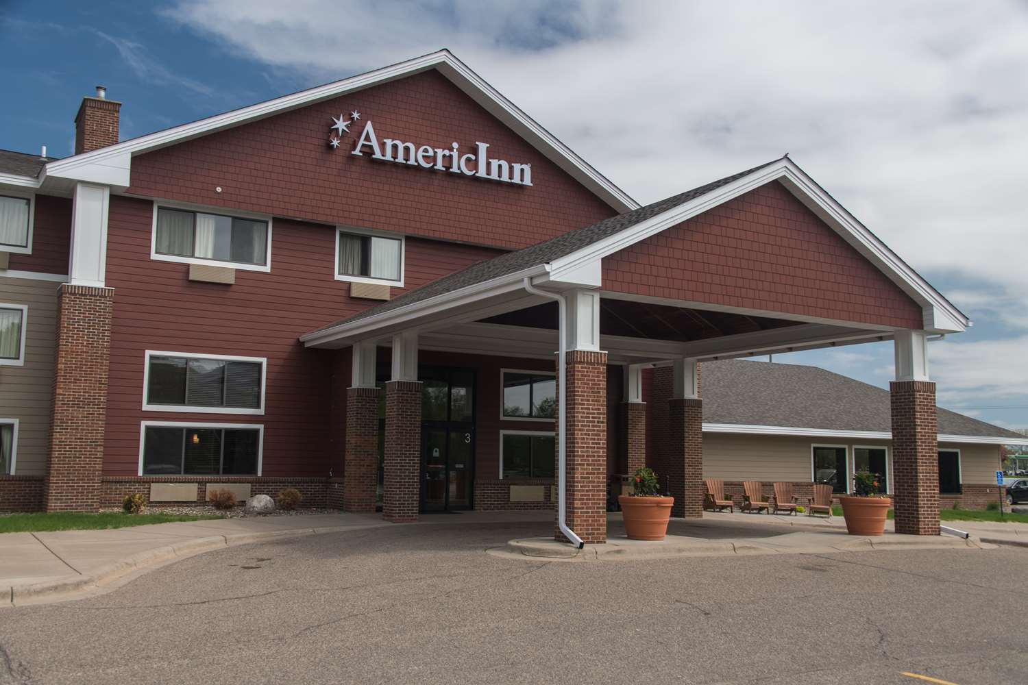 Exterior view - AmericInn Hotel & Suites Mounds View